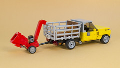 DSC_5837 (MacSergey) Tags: lego farmer truck yellow pig       pickup