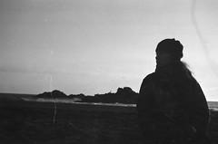 Papaya (mariana boubet) Tags: bw blackandwhite blancoynegro nikon nikonfm2 sur chile cobquecura sooc film analogue 35mm ishootfilm filmisnotdead beach sea winter decay trip travel backpacking theadventurehandbook sunset earth nature