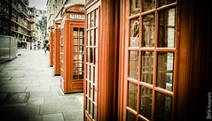 London cabins (ainhoa.beristain) Tags: london londres cabins red gorri rojo