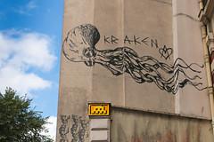 Paris 10me - Paris (France) (Meteorry) Tags: europe france idf ledefrance paris spaceinvader spaceinvaders invader invaderwashere mur wall street rue art artderue pixels pa1212 kraken graffiti mural monster monstre sky ciel jacquesbonsergent magenta july 2016 meteorry paris10earrondissement