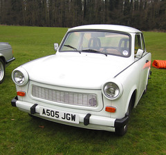 1984 TRABANT 601S (Yugo Lada) Tags: show old white cars ford car photo surrey retro 1984 parked guildford rare trabant shall 601s a505jgw