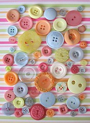 Assorted buttons (Kati