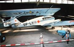 Anglų lietuvių žodynas. Žodis aero- reiškia (sudurt. žodžiuose) aero-, aviacinis; aerodynamics aerodinamika; aeromedicine aviacinė medicina lietuviškai.