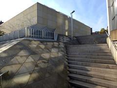 Mnchengladbach - am Museum Abteiberg (borntobewild1946) Tags: treppe nrw rheinland mnchengladbach frhling hanshollein museumabteiberg museumsaufstieg mnchengladbachammuseumabteiberg museumstreppe