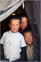 Laughing and Crying (ZeePack) Tags: portrait children boys ethnic nomads shepherd ladakh hut tent smile laugh cry naughty canon 5dmarkii milestoneenterprisein milestoneenterprise