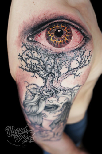 b1ecfb25c Day of the death woman, roses, tree and eye custom tattoo (detail)