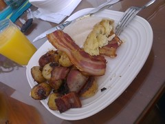 Breakfast Pita (Flyinace2000) Tags: breakfast bacon potatoes eggs plates orangejuice oj homefries flickrandroidapp:filter=none