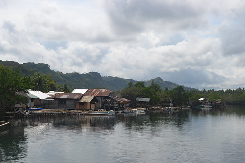 Houses in a coastal community, Sicayab, Dapitan City, Philippines. Photo by Sarah Esguerra, 2013.