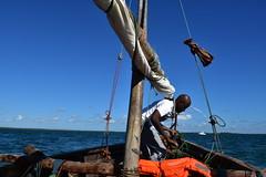 Setting off by wooden dhow to Songo Mnara from Kilwa Masoko (8) (Prof. Mortel) Tags: tanzania dhow kilwamasoko songomnara