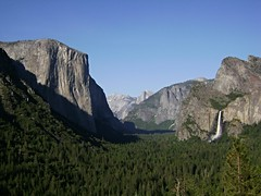 Yosemite Valley @ Yosemite National Park [Explored Aug. 19, 2016] (Hlne_D) Tags: hlned usa california californie ca yosemitenationalpark yosemitenp yosemite nationalpark np parc park parcnational sierranevada mountain montagne bridalveilfalls yosemitevalley halfdome cascade tunnelview waterfall landscape paysage therubyawards