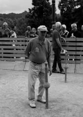 JEU DE QUILLES DE 9 (xavierturlot) Tags: pau aquitaine barn quilles bowling