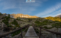 Il ponticello di collegamento... (Albi Nikon) Tags: ponte ceresole reale italia alba mattino presto legno sole sky cielo perfetto incanto luce rifugio jervis