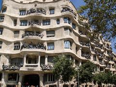 Casa Mil, Barcelona (mister_wolf) Tags: barcelona building casamil gaudi lapedrera spain unesco unescoworldheritage catalunya