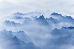 alpen im morgennebel (maikepiel) Tags: alps alpen fog mist nebel morning morgen french franzsisch france frankreich