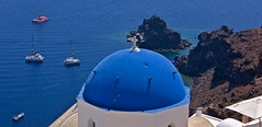 Oia blue domes, Santorini, Greece (somabiswas) Tags: oia santorini greece blue domes church aegean sea europe sescapes boats