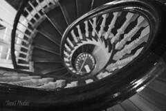 Couldn't resist. (Tom Slate) Tags: stairrailing steps stairs railing spiral perspective dizzy falling history bostonmassachusetts massachusetts boston oldstatehouse