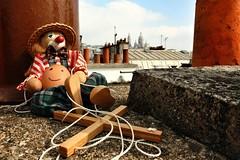 Un jour,  Paris (O.Ortelpa) Tags: paris france tourism easter spring europe rooftops puppet egg sightseeing montmartre coeur printemps sacr tourisme oeuf pantin toits pques