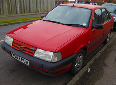 1992 FIAT TEMPRA TURBO DIESEL (Yugo Lada) Tags: old cars car photo nice fiat diesel surrey retro turbo parked 1992 rare tempra k583plm
