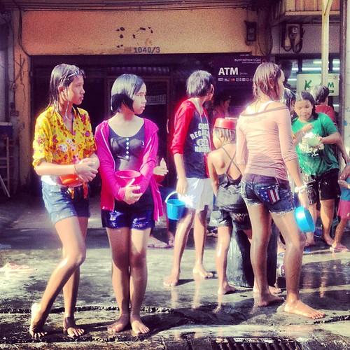 Songkran celebration at Wat Dan Samrong road