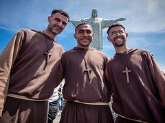 Priests at Corcovado (rodrigolab) Tags: cidade brazil people rio statue horizontal brasil riodejaneiro religious cidademaravilhosa christ religion icon cristoredentor christtheredeemer corcovado maravilhosa priests worldwonder christstatue worldicon marvelouscity