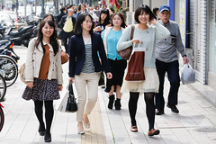 Smiling on streets of Kobe (sanmai) Tags: japan kobe hyogoprefecture