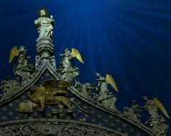 Il  Leone  Alato   d' Oro  di  San  Marco (Giuliana 57) Tags: statue arte venezia leone architettura veneto leonedisanmarco leonealato giulana57 giulianacastellengo
