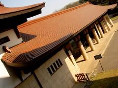 Japanese rooftops (Germán Vogel) Tags: japan museum architecture tokyo asia capital shibuya vernacular meiji kanto eastasia vernaculararchitecture treasuremuseum meijipark japaneseroofs