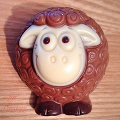 it's a little white faced sheep (green-dinosaur) Tags: light white face colours close sheep sweet chocolate sixwordstory theme 365 challenge iphone seanthesheep iphone4 iphoneography theinspirationgroup suefagg