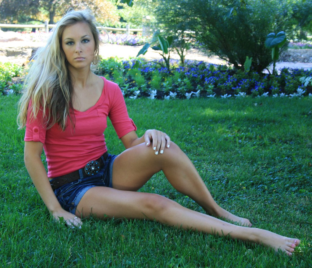 The world 39 s best photos of denim and shirt flickr hive mind for Barefoot blonde