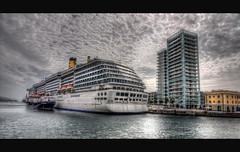 In porto (celestino2011) Tags: raw nuvole mare ngc porto hdr savona photomatix navedacrocera nikcolorefex30