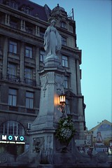 Mary (explored on 2013-04-27) (Nekr0n) Tags: leica city color film monument statue zeiss 35mm vintage 50mm fuji dusk grain rangefinder lviv ukraine nostalgia negative pro fujifilm f2 bluehour filmcamera m6 filmgrain planar leicam6 carlzeiss zm 400h  fujicolorpro400h analoge primelens    carlzeissplanart50mmf2zm