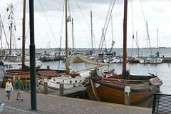 Volendam - (larsen & co) Tags: paysbas hollande holland hollandeseptentrionale netherlands volendam edamvolendam bateau voilier port