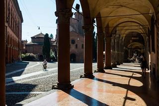 s. stefano, portici chiesa e piazza
