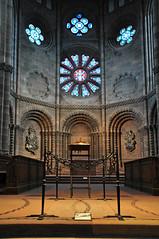 Catedral de Worms, Alemania (kaplan10) Tags: catedraldeworms alemania religin arquitectura religiosa devocin fe creyente iglesia templo arquitecturareligiosa culto oracin bside interior catedral cristaleras gotischearchitektur