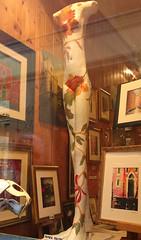 2015-04-06-0139 (formobiles.info) Tags: venezia canale colori sole gondola gondole ristorante vista laguna cani segugio cane segugi increspature acqua strumenti musicali borgo borghi scorsio turistico