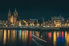 Prins Hendrikkade, Amsterdam (tommyferraz) Tags: amsterdam central centraal prins hendrikkade noord holland netherlands city lights night long exposure