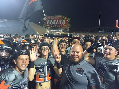"""2016 Apple Valley vs Victor Valley • <a style=""""font-size:0.8em;"""" href=""""http://www.flickr.com/photos/134567481@N04/29732705315/"""" target=""""_blank"""">View on Flickr</a>"""