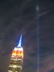 IMG_6795 (gundust) Tags: nyc ny usa september 2016 newyork newyorkcity manhattan architecture esb empirestatebuilding skyscraper september11th 911 tributeinlight xeon twintowers memorial remembrance night