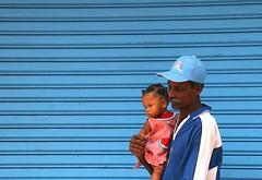 Bleu  l'me (Pi-F) Tags: homme enfant casquette bleu panama couleur coffeetime