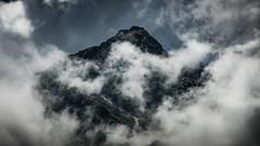 Pic de Labas (Olivier Dégun) Tags: montagne pyrénnées france hautespyrénnées randonnée nuage picdelabas canon eos 700d 1585isusm valléedestom cauterets paysage