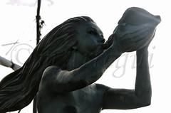 Sirenas cntabras (mArregui) Tags: nikon wwwarreguimeluscom marregui sirena cntabros cantabria santander pennsula magdalena pennsuladelamagdalena escultura barcos