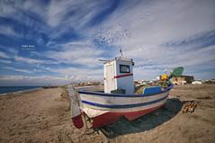 (357/16) Las barcas de la Barriada del Cabo de Gata I (Pablo Arias) Tags: pabloarias photoshop nxd cielo nubes texturas barca bote arena playa mar mediterrneo agua cabodegata parquenatural almera comunidaddeandaluca
