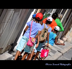 Colors of life (Olivier Simard Photographie PC HS) Tags: life family famille color soleil marseille couleurs vie meltingpot candidshot lepanier bouchesdurhne scnederue mtissage oliviersimardphotographie