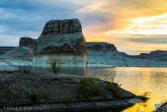 Lone Rock at Lone Rock Beach (eilerkaylaj) Tags: glencanyon desert slotcanyon keepexploring lake water sunrise moonset sunbeams canyon portrait arizona utah outdoors nationalpark