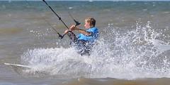 Actie / Action !!!!! (wilma HW61) Tags: kitesurfen kiter kitesurfer kiteboarder actie action water wasser noordzee katwijkaanzee zholland zuidholand sport nederland niederlande netherlands nature natuur pasesbajos paysbas paesibassi holland holanda outdoor europa europe t summer sommer zomer nikond90 golf wave onda vague welle