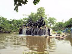 Fountain in the Ancient City 2009, Muang Boran, Samut Prakan, Thailand. (samurai2565) Tags: samutprakan samutprakanprovince thailand ancientsiam ancientcity muangboran sukhumvitroad bangkok lekviriyaphant bangpu