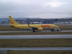 TUIfly (uwe_gompf_66) Tags: tuifly boeing 737 frankfurtmain fraport flughafen airport apron