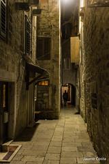 Split at night (Jaume Costa) Tags: croatia hrvatska split night streets relax oldtown dark light shadows quite silence calles silencio sombras luces tranquilidad silenci carrers
