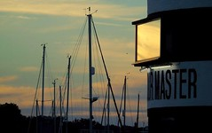 Harbour masters window (samm.doyle) Tags: sunsetting warsash harbour master water river hamble hampshire
