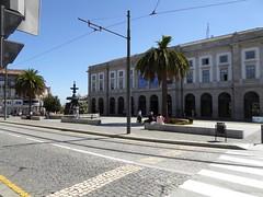 Praça de Gomes Teixeira (Linda DV) Tags: lindadevolder panasonic geotagged travel portugal porto europe 2016 citytrip ribbet praçadegomesteixeira fontedosleões lionfountain fountainoflions oporto